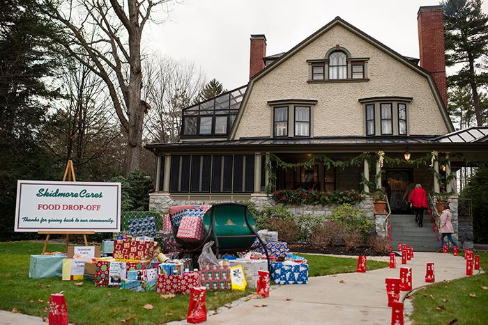 Donations%20arriving%20at%20the%20Skidmore%20Cares%20open%20house.