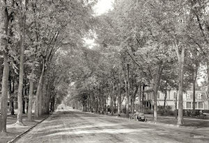 North Broadway in 1908