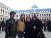 Skidmore students in Paris