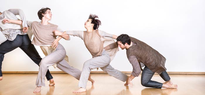 Doug Varone and Dancers by Paula Lobo