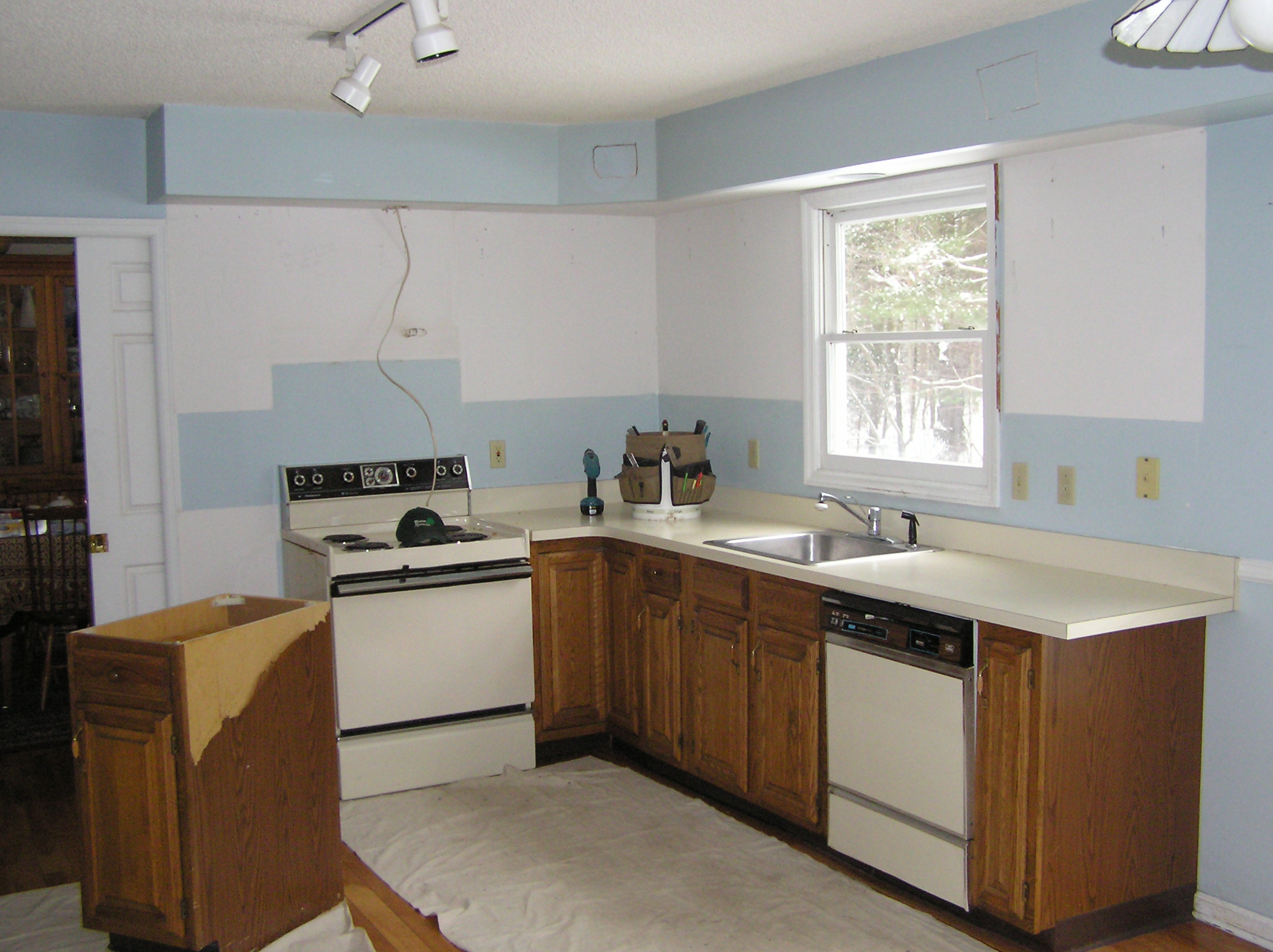 Thompson Kitchen: January 2005