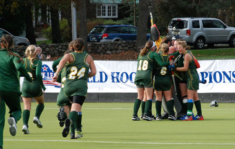 2014+Field+Hockey+celebration
