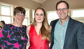 Amy Bergstraesser, flanked by faculty mentors Grace Burton and Ron Seyb