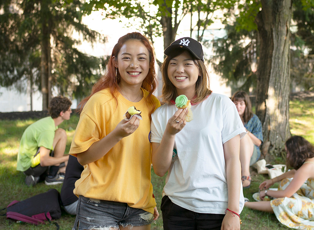 Skidmore students at Founder's Day Barbeque 2018