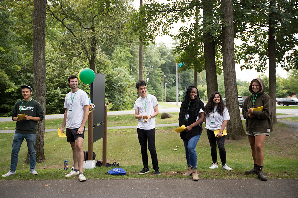 Skidmore College upperclassmen greet first year students