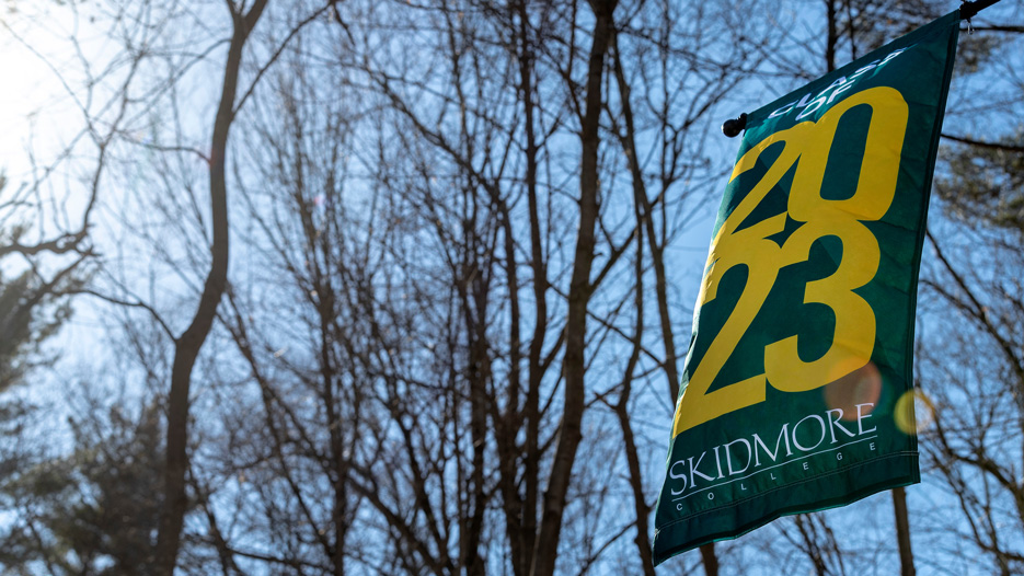 Banner hangs at Skidmore that says Class of 2023